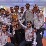 A 46. győzelem, bajnoki ünnep – Kakuk távozik